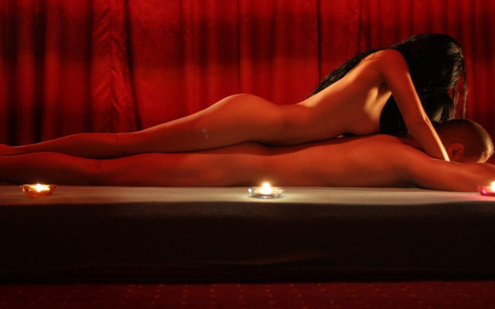 остаётся интим массаж салон страстно она манит